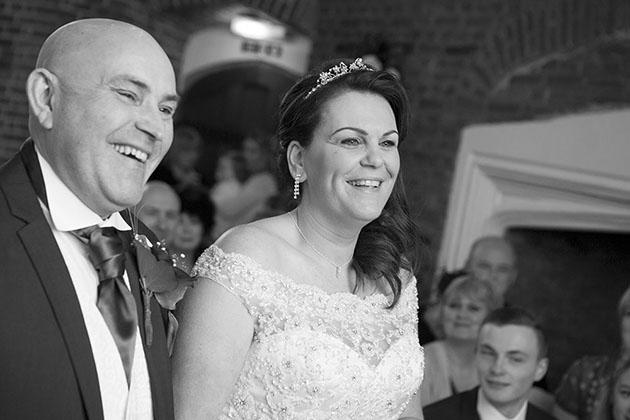 Leez Priory Wedding Ceremony 04 027