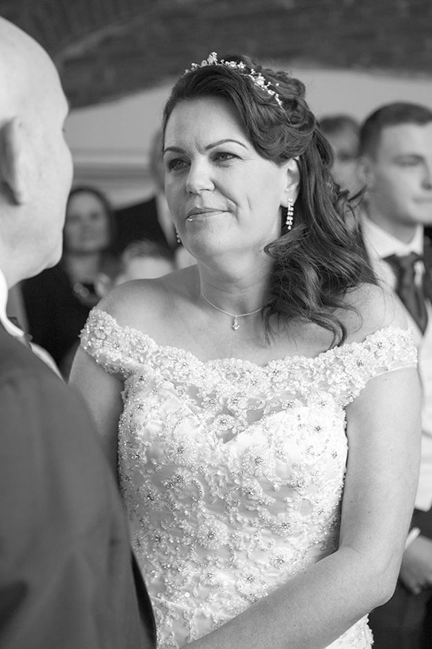 Leez Priory Wedding Ceremony 04 046