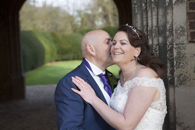 Leez Priory Wedding 06 051